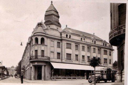 A könyvtár ad helyet a klubnak. Kaposvár polgármestere ...